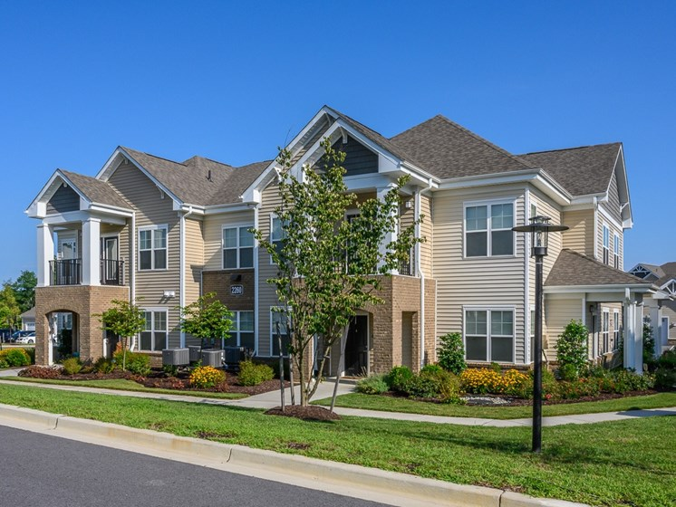 Elegant Exterior View at Abberly Square Apartment Homes, Waldorf, MD