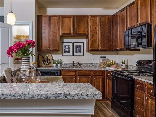 Fully Furnished Kitchen With Stainless Steel Appliances at Abberly Square Apartment Homes, Waldorf, MD, 20601