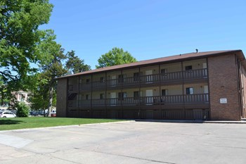 1113 B Street 1-2 Beds Apartment for Rent Photo Gallery 1