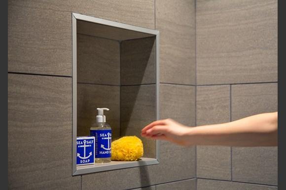 nms-swell-luxuryapartments-santa-monica-mysuite-bathroom-soap-shampoo.jpg