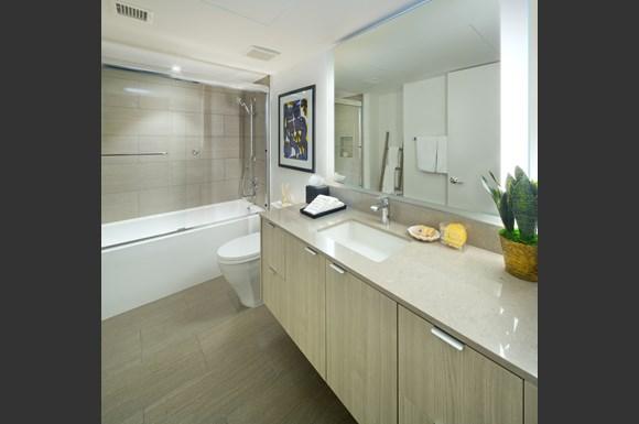 nms-swell-luxury-santa-monica-apartment-los-angeles-bathroom.jpg