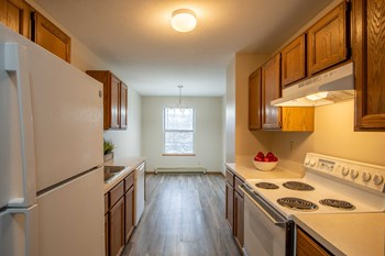 1500 Ottawa Beach Road 1 Bed Apartment for Rent Photo Gallery 1