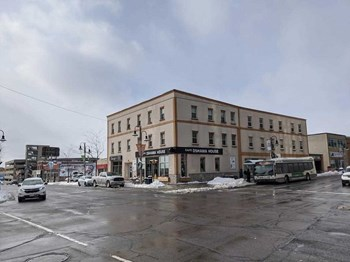 66 King St. W. Studio Apartment for Rent Photo Gallery 1