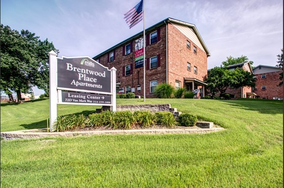 Brentwood Place Apartments 72d Van Mark Way St Louis Mo Rentcaf