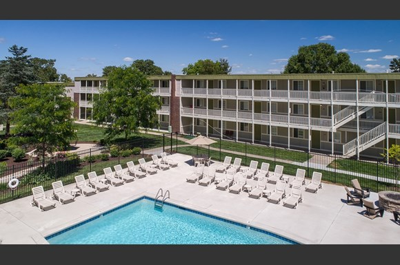 Heather ridge apartments 2401 w broadway columbia mo rentcaf for Cheap 1 bedroom apartments in columbia mo