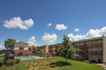 305 Tiger Lane 1-2 Beds Apartment for Rent Photo Gallery 1