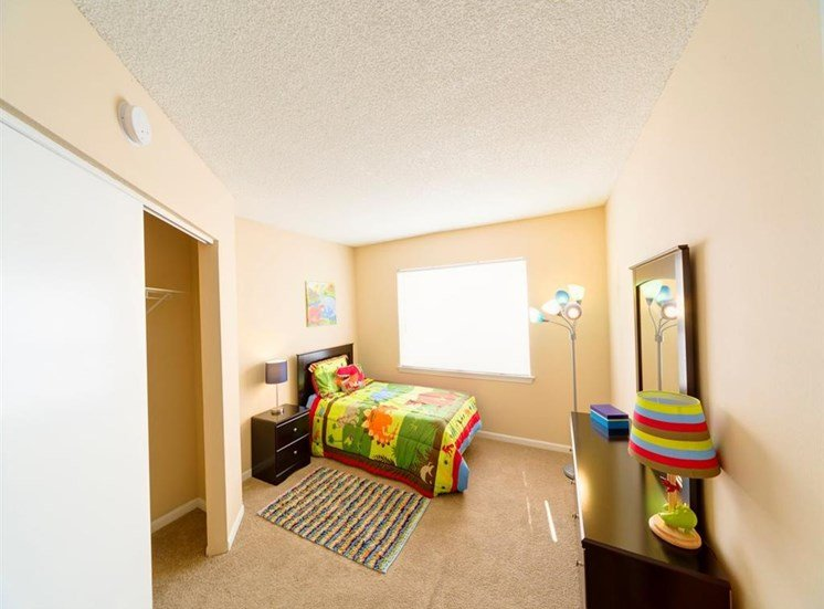 Bedroom With Carpeting at Holly Cove Apartments, Orange Park, FL