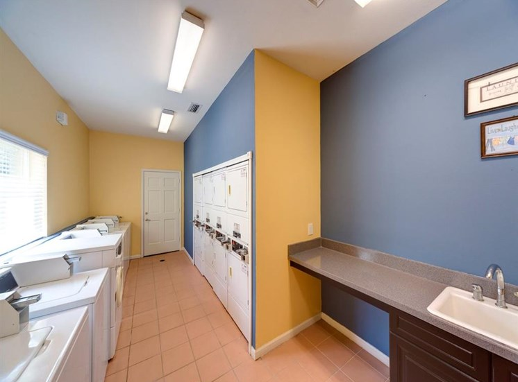 Resident Clothing Care Center at Holly Cove Apartments, Orange Park, Florida
