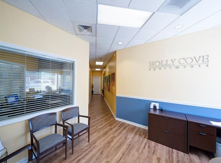 Leasing Office Waiting Area at Holly Cove Apartments, Orange Park, 32073