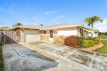 712 Tupelo Dr 3 Beds House for Rent Photo Gallery 1