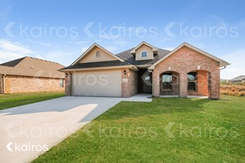 404 White Oak 3 Beds House for Rent Photo Gallery 1