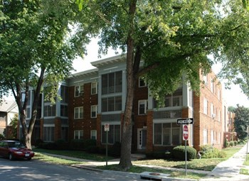 5047-5049 Wyandotte St. 1-2 Beds Apartment for Rent Photo Gallery 1
