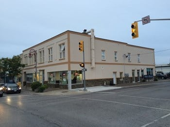 90 1/2 Simcoe St. N. Studio-1 Bed Apartment for Rent Photo Gallery 1