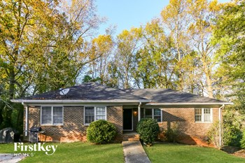 114 Strickland Dr SW 4 Beds House for Rent Photo Gallery 1