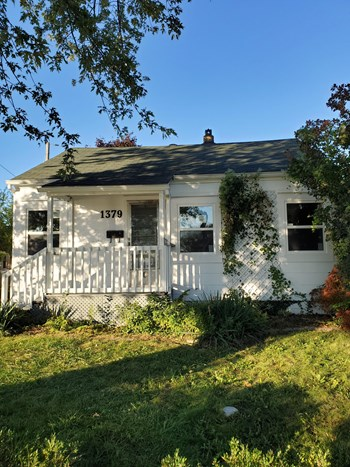 1379 Campbell Avenue 2 Beds House for Rent Photo Gallery 1