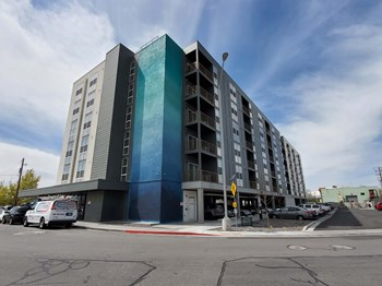 3196 S. Washington Street 3 Beds Apartment for Rent Photo Gallery 1