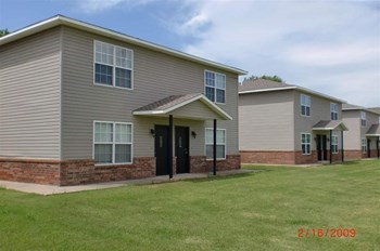 113 1/2 W Lakeview 2 Beds House for Rent Photo Gallery 1