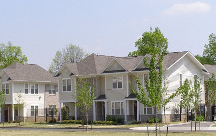 The Metropolitan & Greenlaw Place Apartments   Apartments in