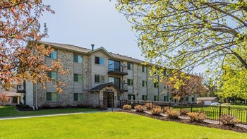 2614 Cutters Grove Ave Clubhouse 1-3 Beds Apartment for Rent Photo Gallery 1