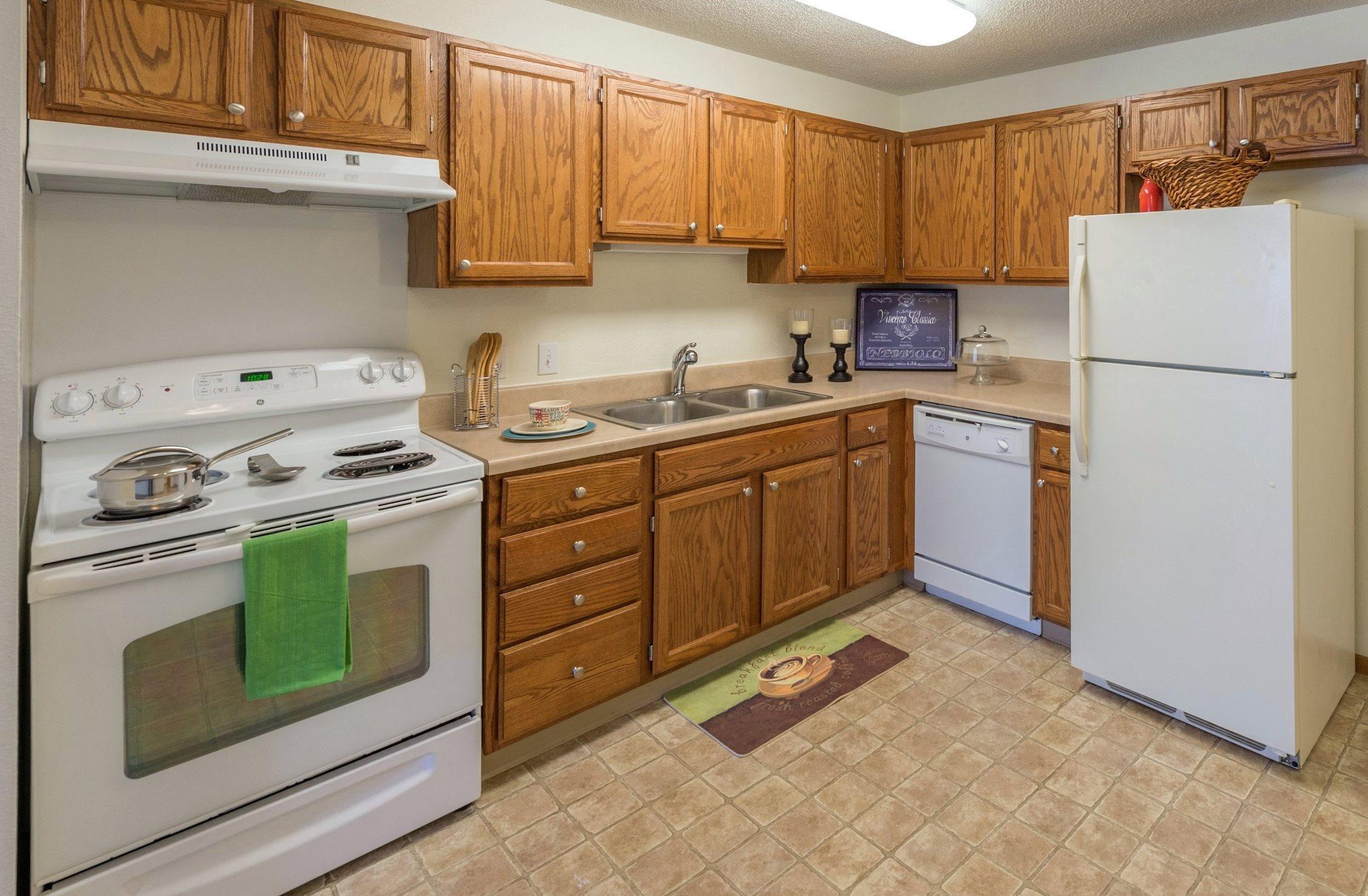 Woodland Park Apartments | Apartments in Anoka, MN