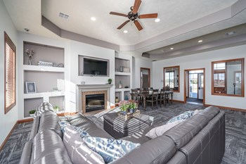 7400 S Homan Pl 1 Bed Apartment for Rent Photo Gallery 1