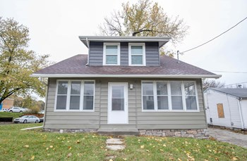 3400 Easton Boulevard 2 Beds House for Rent Photo Gallery 1