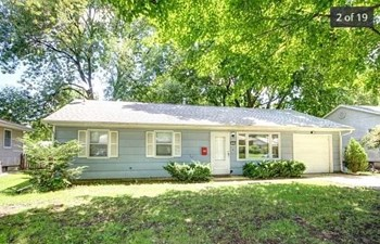 1004 Country Squire Drive 3 Beds House for Rent Photo Gallery 1