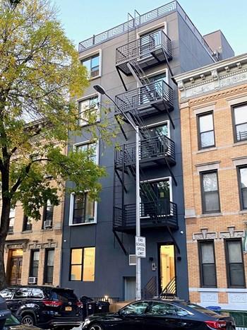 961 Seneca Avenue 1-5 Beds Apartment for Rent Photo Gallery 1