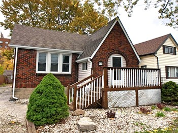 978 Brock Street 2 Beds House for Rent Photo Gallery 1
