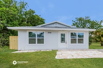 3299 SE Garden ST 3 Beds House for Rent Photo Gallery 1