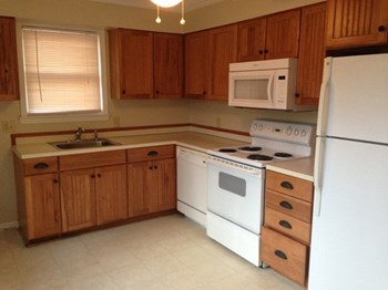 401 Shagbark Avenue 3 Beds Apartment for Rent Photo Gallery 1