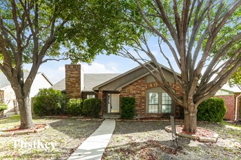 6857 Fryer St 3 Beds House for Rent Photo Gallery 1