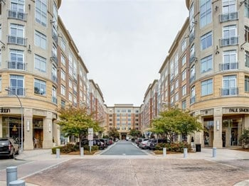 4300 Sharon Road 1-3 Beds Apartment for Rent Photo Gallery 1