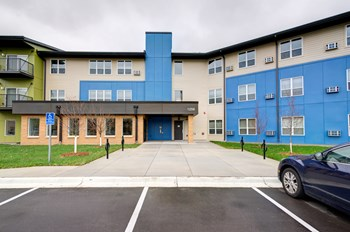 1256 Wilson Avenue 1-2 Beds Apartment for Rent Photo Gallery 1