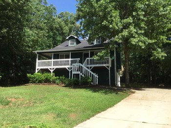1 Sweetwater Pkwy 3 Beds House for Rent Photo Gallery 1