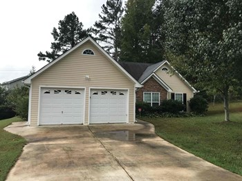 104 W Bridge Ct 3 Beds House for Rent Photo Gallery 1