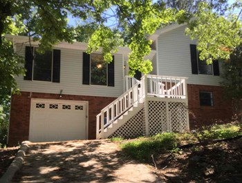 208 Squire Cir 4 Beds House for Rent Photo Gallery 1