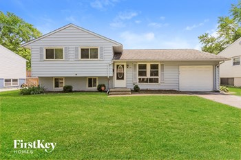 216 E Maple Dr 4 Beds House for Rent Photo Gallery 1