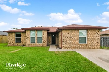 302 Apache Dr 4 Beds House for Rent Photo Gallery 1