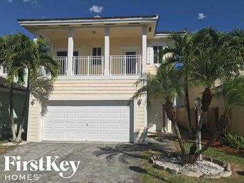 397 Ne 35 Terrace 4 Beds House for Rent Photo Gallery 1