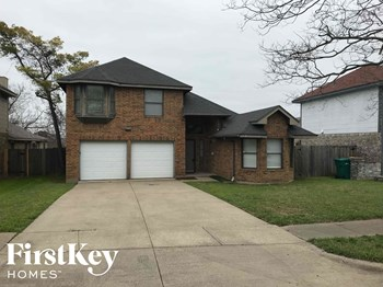 715 Bishop Street 3 Beds House for Rent Photo Gallery 1