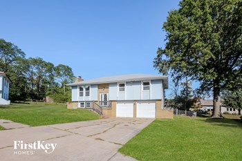 804 NE 74Th Street 3 Beds House for Rent Photo Gallery 1