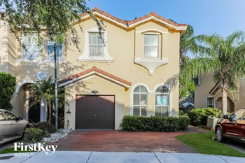894 Sw 151 Place 4 Beds House for Rent Photo Gallery 1