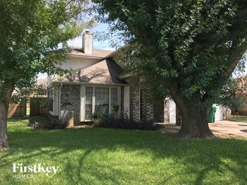 911 Blewitt Drive 4 Beds House for Rent Photo Gallery 1