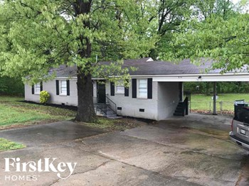 916 E Shelby Dr 3 Beds House for Rent Photo Gallery 1