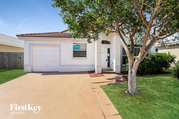 10397 Sw 16 Street 4 Beds House for Rent Photo Gallery 1