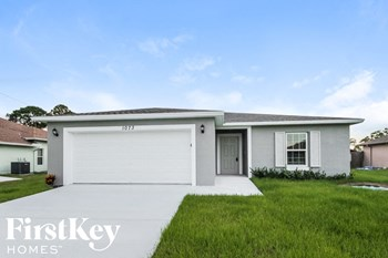 1073 SW Bianca Ave 4 Beds House for Rent Photo Gallery 1