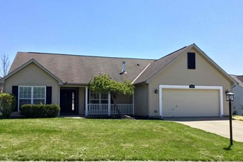 1084 Colonial Cir 3 Beds House for Rent Photo Gallery 1