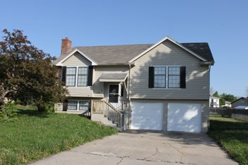 11713 Crystal Drive 3 Beds House for Rent Photo Gallery 1