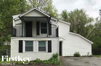 1203 SW Chicago Avenue 5 Beds House for Rent Photo Gallery 1
